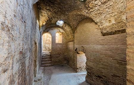 Anfiteatro De Italica Image