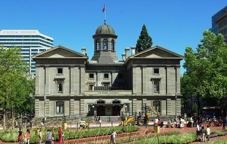 Pioneer Courthouse Square Image