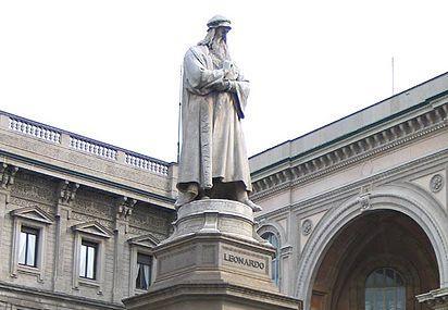 Monumento A Leonardo Da Vinci Image
