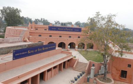 Gobindgarh Fort Image