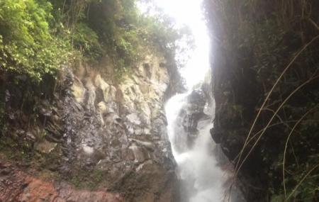 Les Waterfall Image