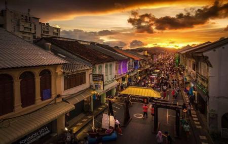 Sunday Walking Street Market Image