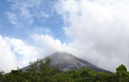 Arenal Volcano Image