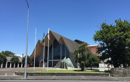 Holy Trinity Cathedral Image