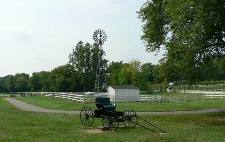 The Amish Farm And House Image