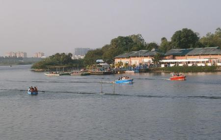 Muttukadu Boat House Image