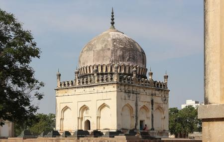 Qutub Shahi Tombs Image