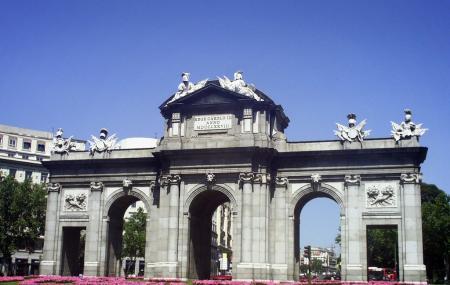 Alcala Gate Image