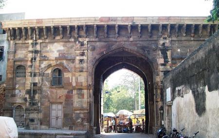 Bhadra Fort And Teen Darwaja Image
