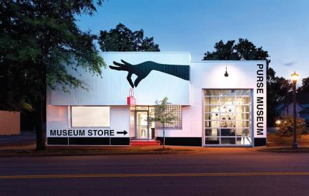 E S S E Purse Museum Image
