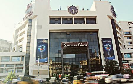 Spencer Plaza Image