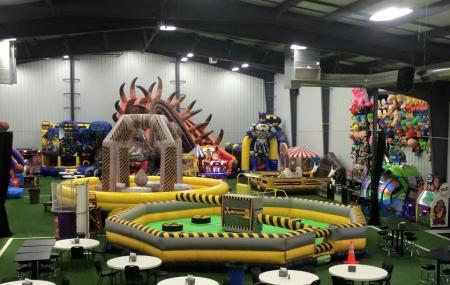 Triple Crown Family Fun Center Image