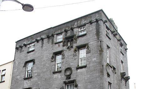 Lynch's Castle Image