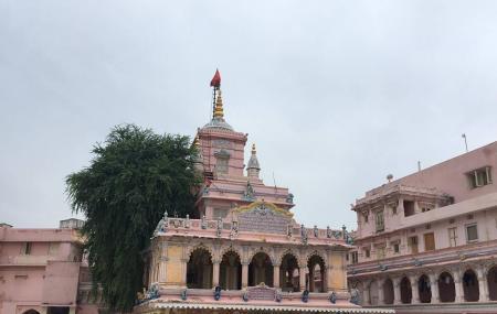 Sri Krishna Pranami Temple Image