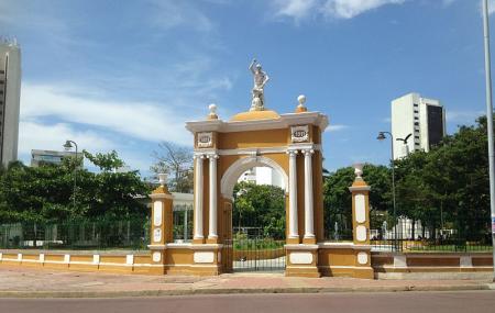 Parque Del Centenario Image