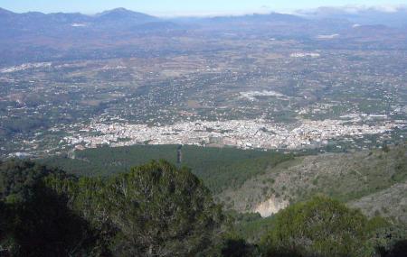 Sierra De Alhaurin El Grande (malaga). Fin Pista Forestal Abierta (cadena) Image