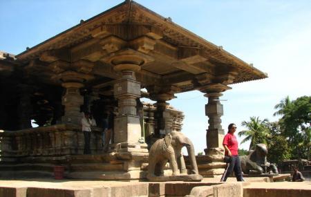 Thousand Pillars Temple Mandapam Image
