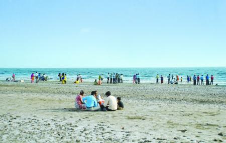 Dumas Beach Image
