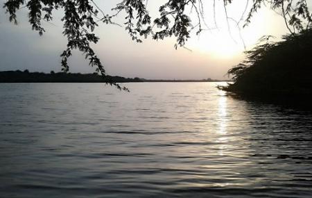 Keetham Lake Image