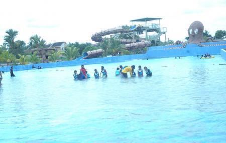 Wet World Water Park Shah Alam Image