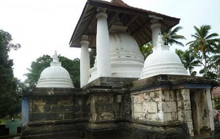 Gadaladeniya Rajamaha Viharaya Image