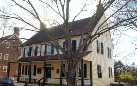 Tavern In Old Salem, Nc Image