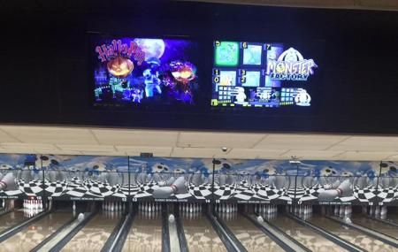 Classic Bowling Center Image