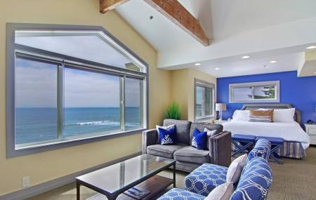 Cypress Inn On Miramar Beach Image