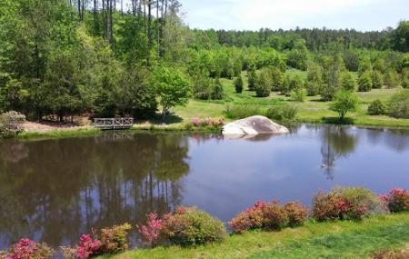Louisburg College's De Hart Botanical Gardens Image
