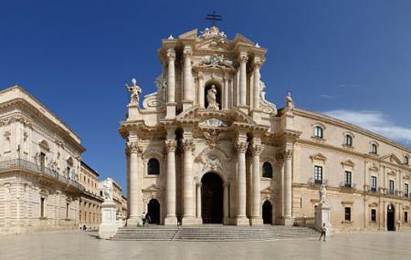 La Piazza Duomo Image