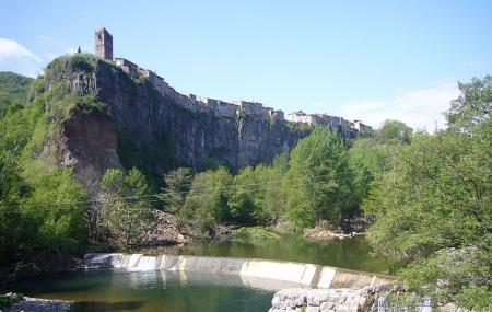 Castellfollit De La Roca Image