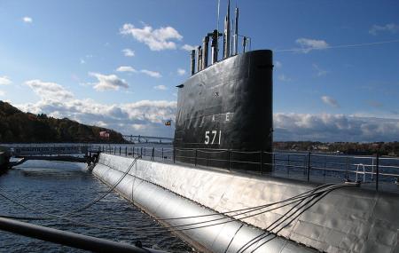 U S S Nautilus Image