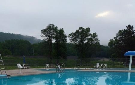 Rushford City Swimming Pool Image