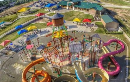 Holiday Springs Water Park Image