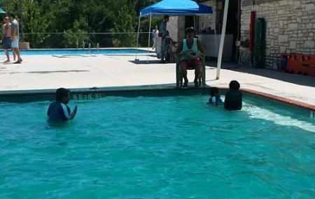 Lake Creek Pool Image