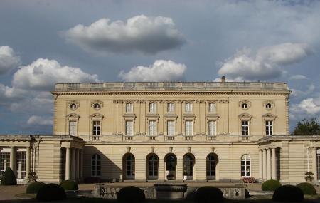 Chateau De Bizy Image
