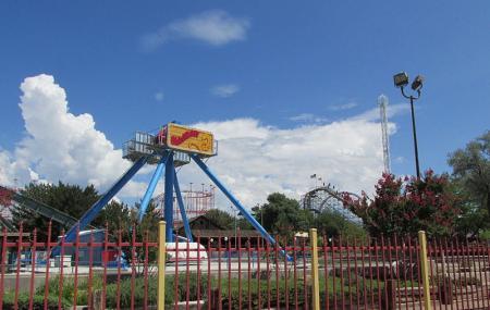 Cliff's Amusement Park Image