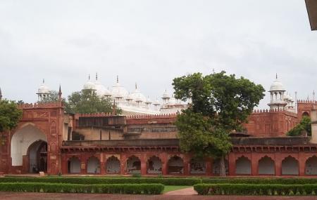 Moti Masjid Image