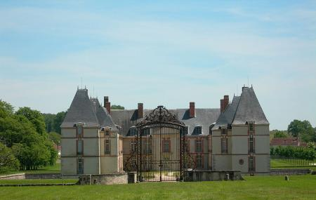 Chateau De Reveillon Image