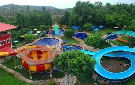 Splashdown Waterpark Image