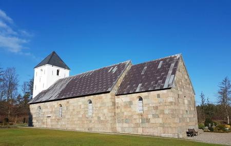 Tved Kirke Image