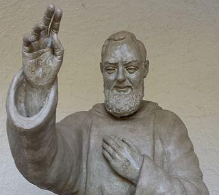 Gruta Del Padre Pio Image