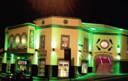 Bundoran Glowbowl And Mack's Amusements County Donegal - Ten Pin Bowling Image