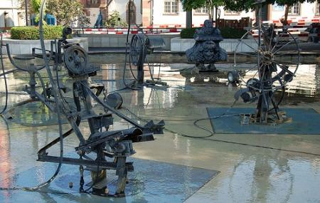 Tinguely Fountain Image