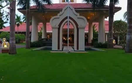 Caravela Beach Resort Goa Image