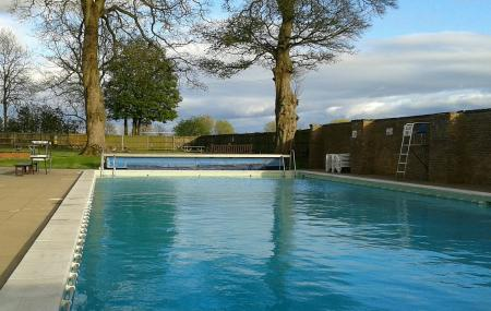 The Lido, Chipping Norton -- Open-air Swimming Pool Image