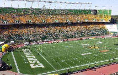 Commonwealth Stadium Image