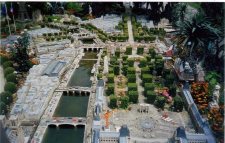 Gerard Brion's Miniature Paris Image