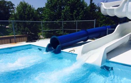 Warrenton City Pool Image