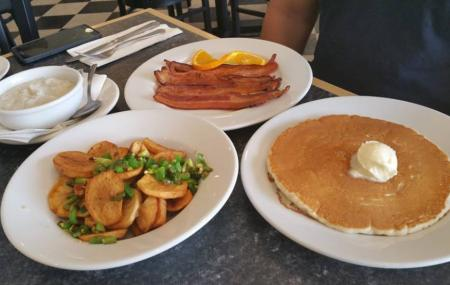 Mr. Mamas Breakfast And Lunch Image
